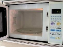 Rarely Used Microwave Oven Available