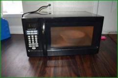 Microwave Oven In Brand New Condition Available
