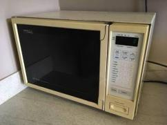Gently Used Microwave Oven In Very Great Working Condition