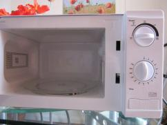 Rarely Used Microwave Oven In Very Fantastic Condition