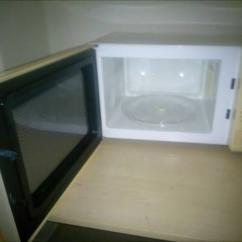 Microwave Oven In Gently Used Condition
