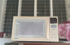Microwave oven 30 ltr Sanyo model
