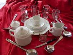 Crockery Set in Mint Condition Available