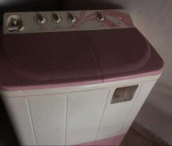 Semi Automatic Samsung Washing Machine Available