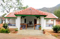 Best Place to Stay near Hogenakkal Falls, Hogenakkal Chinnar Guest House