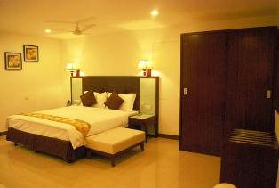 Budget Serviced Apartments near Cheeranjivi Blood Bank