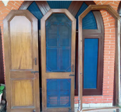 Chaukhat and door 6 feet by 2.5