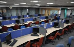Furnished office with 200 workstations