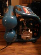 Makita 2.5 HP 4.2 Gallon Air Compressor