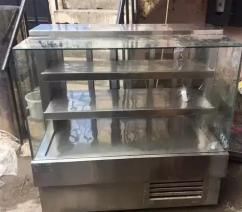 display counter 4 Feet Manufacturer of Stainless steel