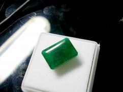 Natural Panna / Emerald Gemstone 8.22 ratti Lab Certified