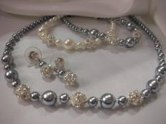 Beautiful Pearl Necklace With Earrings