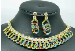 Gold plated jewellery set with AD stone