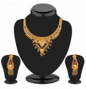 Hurry up Discount on the Artificial Necklace Set
