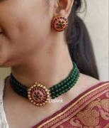Trendy green choker necklace for women
