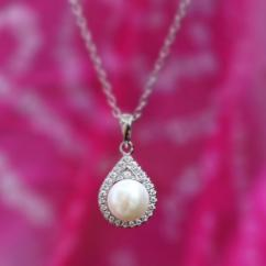 Pearl Necklace Online at ornatejewels
