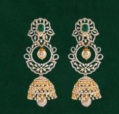 Jhumka earrings in yellow gold