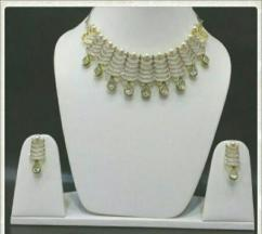 Neckpiece With American Diamond
