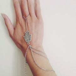 Hand Jewellery In Very Beautiful Design Available