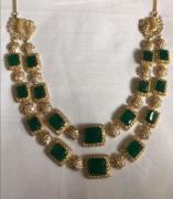 Lovely Neckpiece With Green Kundan