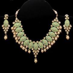Necklace Set In Very Fantastic Design