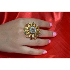 Very Beautiful Kundan Ring In Flower Pattern