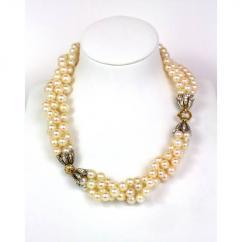 Pearl Neckset In Superb Design Available