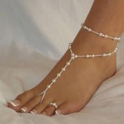 Designer Anklet With Pearl Available