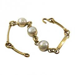 Bracelet with pearl available