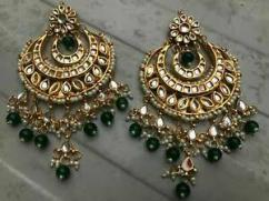 Very Beautiful Earring with Pearls
