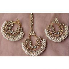 Mang Tika set with Earrings available