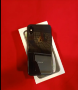 iPhone XS 64 GB in excellent condition with all accessories