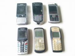 6 mobile handset, dead or partially dead