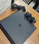 Sony PlayStation 4 Slim (500GB) Very good condition