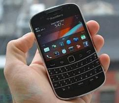 Blackberry bold 9900 handsets