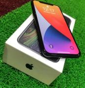 Apple iPhone X / 256GB / 3GB RAM / 5.8inch