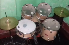 want sell drums . One side head