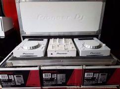 BRAND NEW PIONEER DJ COMBO  -CDJ 350 X 2 (Pair) -White -DJM 350-White Flight Ca