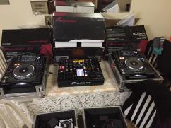 Pioneer CDJ 2000 / Mixer DJ Set With Mixer DJM-400
