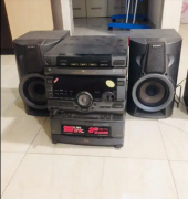 2 music system with 2 side speakers