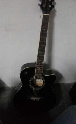 2 months old guitar