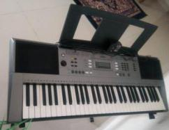 Yamaha PSR Keyboard Available