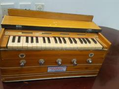 Branded Harmonium In Affordable Price
