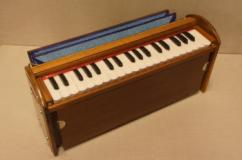 Harmonium In Well Maintained Condition