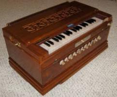 Gently Used Harmonium With Fab Sound Quality