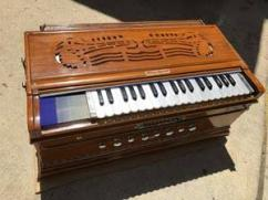 Harmonium In Very Less Used Condition Available
