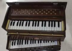 Old Harmonium for sale safri