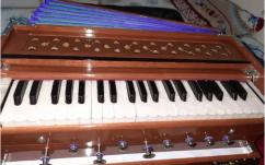 harmonium foldable 42 keys