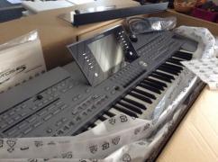 Brand New Yamaha Tyros 5 76 keys Keyboard synthesizer