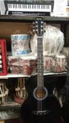 Beginner guitars for sale in paschim vihar delhi